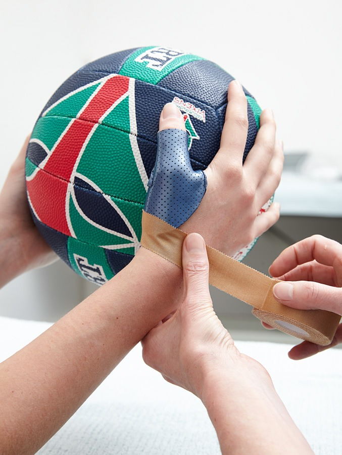 Sport splint, sport injuries, netball